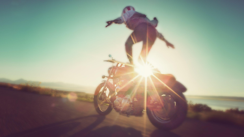 Трюки на мотоциклах 18 фотография